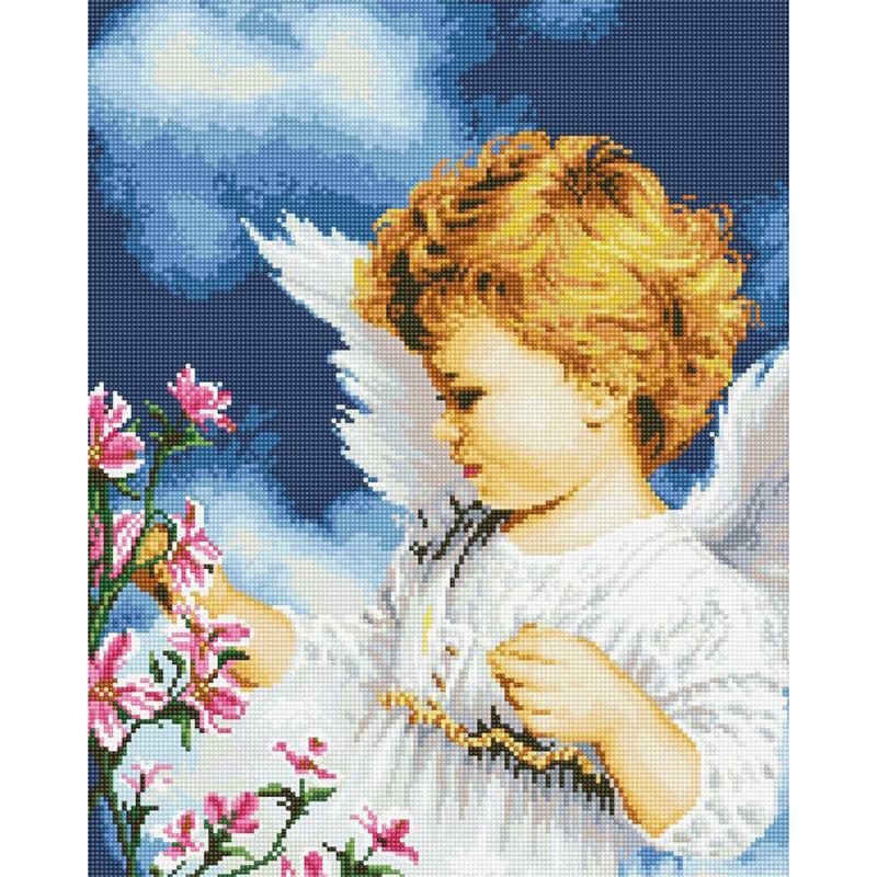 Вышивка с ангелом и птичкой
